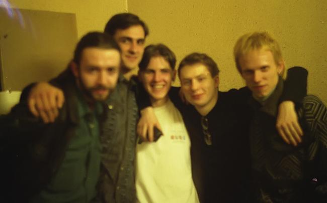 Gruppa_KAZEMAT_v_rok-centre_BELYI_KOT_(Tumen_1999)